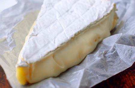 Сыр мягкий внутри твердый