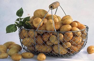 Как чистить молодой картофель?