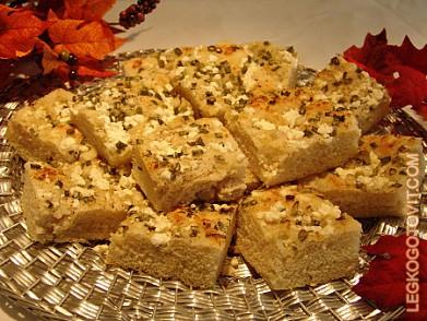 Фоккачо с луком и сыром